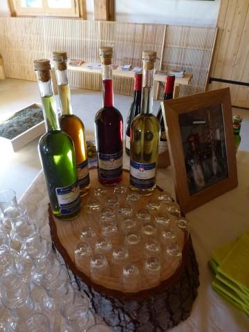 serraval,ferme,alcool,liqueur,genepi