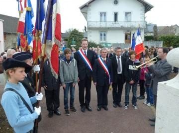 hery-sur-alby,souvenir,monument,medaille,porte drapeau