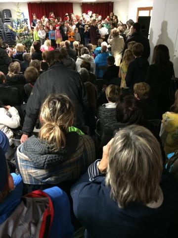 Avec Michèle, ma colistière, à la veillée d'autrefois au Bouchet Mont Charvin, organisée par le Sou des écoles 2.jpg