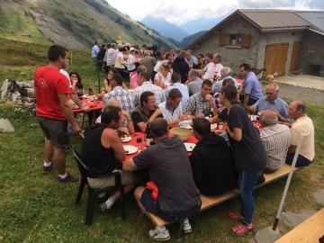 serraval,exploitation,fromagere,alpage,thabuis,dantin,deputes europeens,tardy,saddier