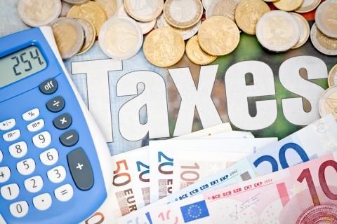 fiscalité,macron,matraquage,retraites,assurance-vie,csg,taxe d'habitation
