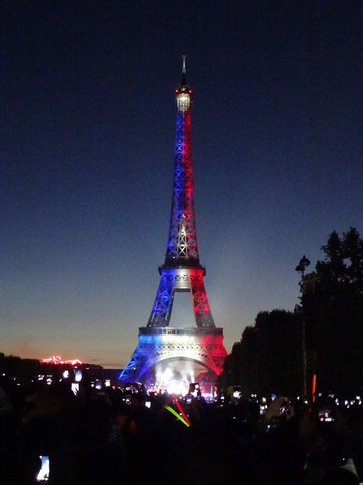 Lien Permanent Catégories : Activité Assemblée Tags : Paris, Champ De Mars, Tour  Eiffel, Artifice, 14 Juillet, Tardy 0 Commentaire